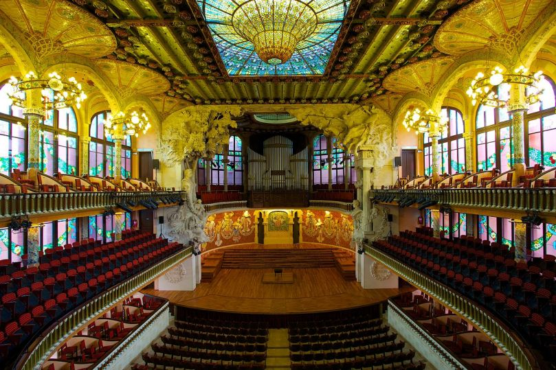 1280px-Palau_de_la_Música_Catalana,_the_Catalan_Concert_Hall